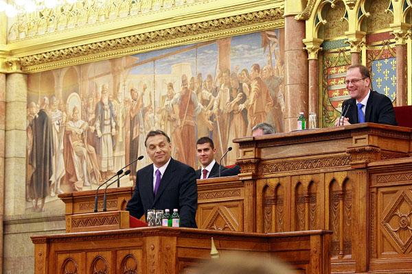 Orbán Viktor ismerteti majd a rendkívüli kormányülésen meghozott döntéseket