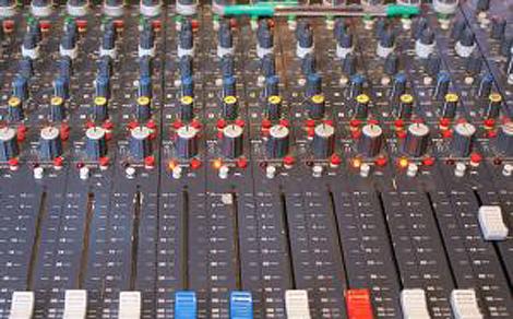 Televíziók és rádiók képviselőivel egyeztet jövő kedden a médiatanács