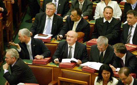 A kormány megvédi a magyar zsidó közösséget