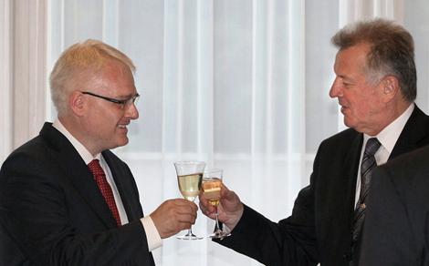 Ivo Josipovic,Schmitt Pál
