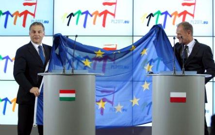 Orbán Viktor átadja az Európai Unió soros elnökségét Lengyelországnak. Fotó:Burger Barna