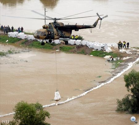 Felsődobsza, Hernádkércs, Nagykinizs és Szentistvánbaksa - árvízvédelmi helyzetét oldja meg az a beruházás, amelynek finanszírozására 100 százalékos támogatást nyertek el. Fotó:MTI