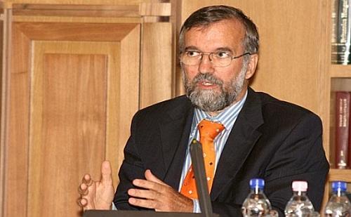 Az Ócsán épülő mintatelep önfenntartó kísérlet - mondta Szaló Péter, a Belügyminisztérium  területrendezési és építésügyi helyettes államtitkára.