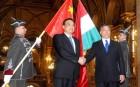 Orbán Viktor és Li Ko-csiang jelenlétében 7 kínai-magyar egyezményt írtak alá