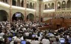 Matolcsy György közművezeték-adóról szóló előterjesztését fogadhatja el a Ház