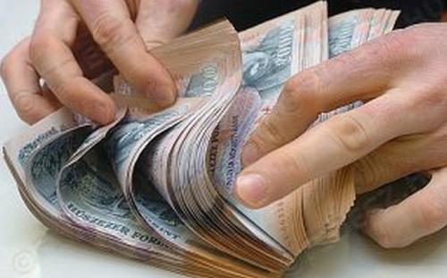 Óvatosabban bánnak az emberek a hitelfelvételekkel.