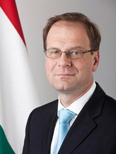 Dr.Navracsics Tibor