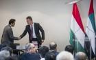Az arab külügyminiszter-helyettessel tárgyalt Szijjártó Péter a két ország kapcsolatainak továbbfejlesztéséről