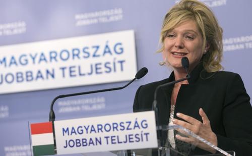Fidesz:  3600 milliárd forint marad a magyar családoknál
