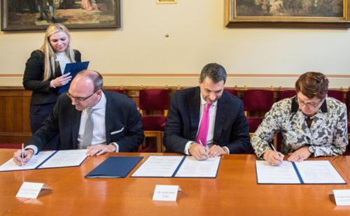 A német RWE-vel írt alá együttműködési szándéknyilatkozatot a kormány