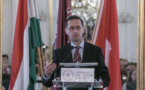 Varga Mihály: A magyar gazdaság fejlődik, szerkezete egyre kiegyensúlyozottabb