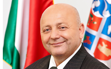 A kormányablakok működése a Szabolcs-Szatmár-Bereg megyében is beváltotta a hozzá fűzött reményeket - interjú Kozma Péterrel