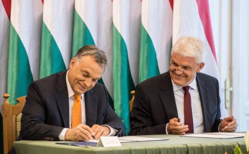 Orbán Viktor: 2019-re Budapestet és Szolnokot négysávos autóút köti össze