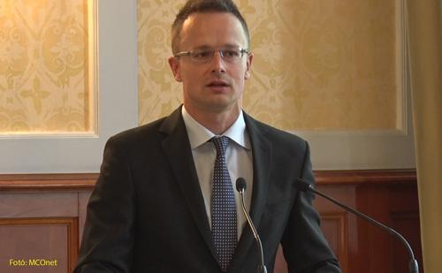 Szijjártó Péter külgazdasági és külügyminiszter Brüsszelben egyebek között a migrációról folytatott megbeszéléseket