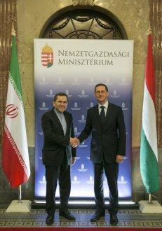 Varga Mihály nemzetgazdasági miniszter tárgyalt Majid Takhte Ravanchi-val, az Iráni Iszlám Köztársaság európai és amerikai kapcsolatokért felelős külügyminiszter-helyettesével
