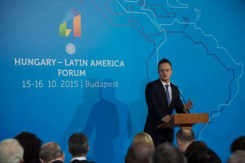 Szijjártó Péter: Magyarország a nyertesek közé akar tartozni az új világrendben