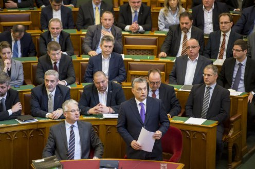 A miniszterelnök beszámolt az unió által tervezett migránsrendszerről, a kvótáról