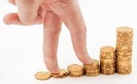 Közvitára bocsátotta a román kormány a közalkalmazotti bérek kiigazításáról szóló tervezetet