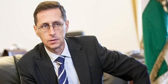 Varga: a kormány elfogadta a buszgyártási stratégiát