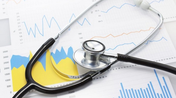 Fejlesztik az egészségügyi dolgozók bérét