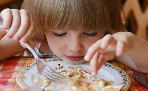 Az MSZP 3 milliárd forinttal emelné a gyermekétkeztetés támogatását