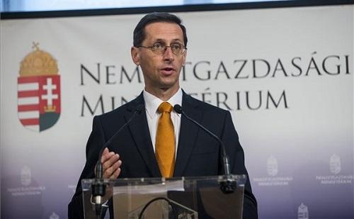 Varga: ha a gazdaság 3 százalék felett nő, lesz forrás a munkát terhelő adók csökkentésére