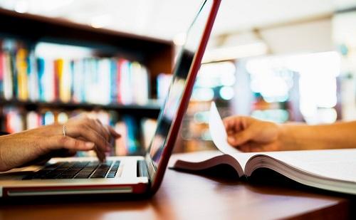 Napirenden a digitális oktatási stratégia és a pedagógusok minősítése