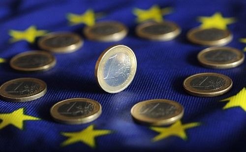 Az EU elsődleges feladata, hogy a gazdasági együttműködésre koncentráljon