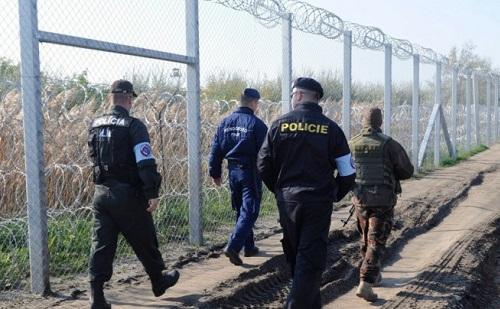 Magyar rendőrök indultak a szerb-bolgár határra