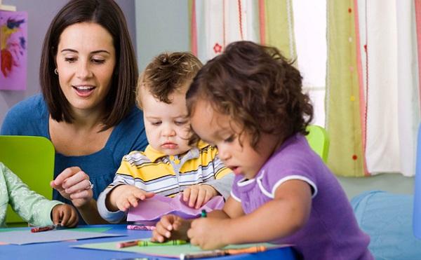 Intézkedési terv a bölcsődei kisgyermeknevelők felsőfokú végzettségéért