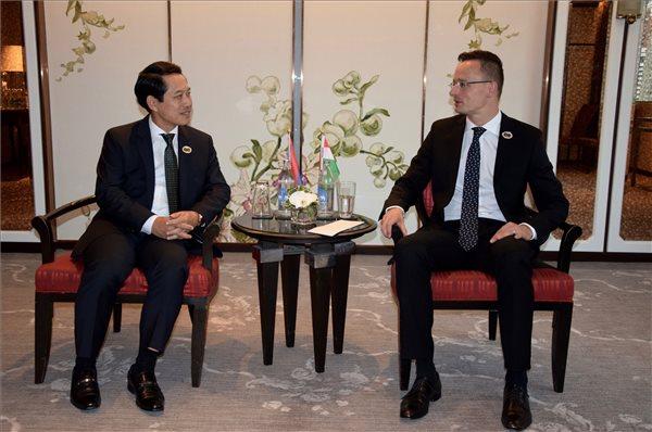 EU és a Délkelet-ázsiai Nemzetek Szövetsége tagállamainak külügyminiszteri találkozója