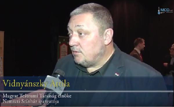 Vidnyánszky: a Pajtaszínház a szakmának is segít