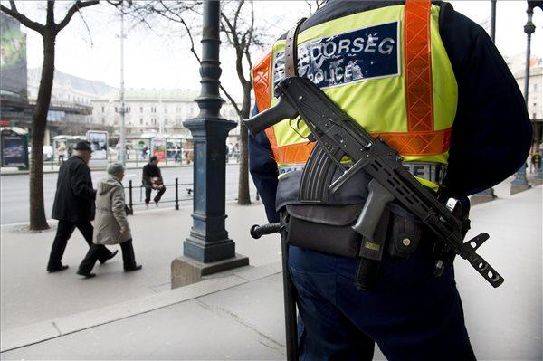 Közepesre mérséklődött a terrorfokozat