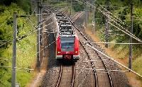 Személyautó és vonat ütközött
