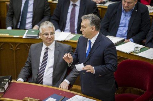 Orbán: 2016 legkomolyabb kihívása nem gazdasági, hanem biztonsági jellegű lesz