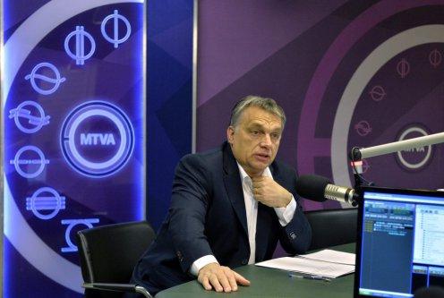 Orbán: Európa nem tud ellenőrizetlenül idegen embertömegeket befogadni