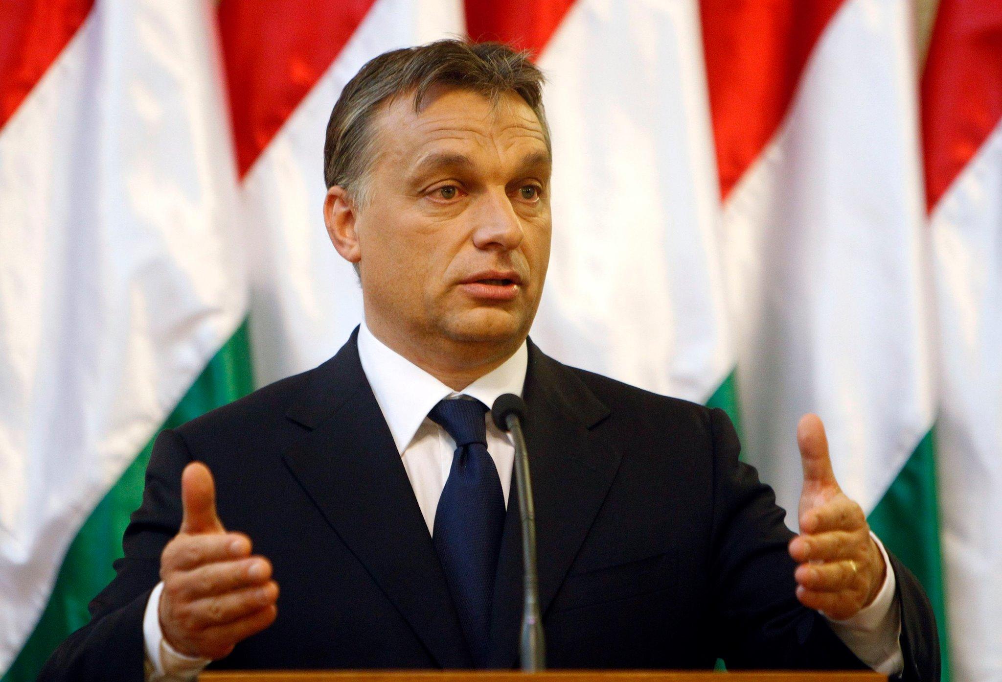 Orbán Viktor az Európai Bizottságot hibáztatja a kontinenst sújtó válság miatt