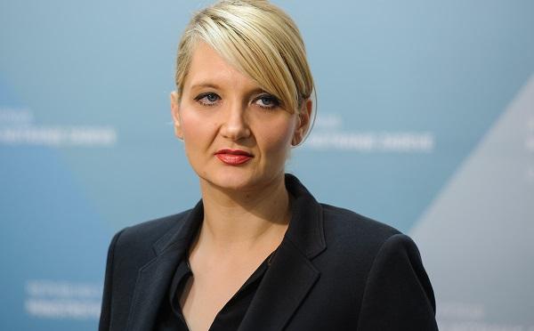 Vesna Györkös Znidar szlovén belügyminiszter