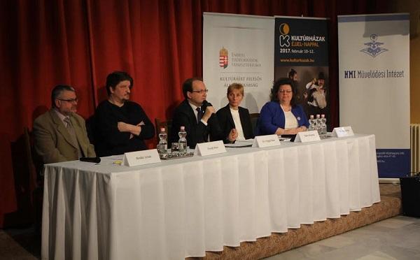 Sajtótájékoztató a Kultúrházak éjjel-nappal programsorozatról