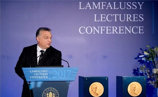 Orbán: szabad magunkat az első helyre tenni