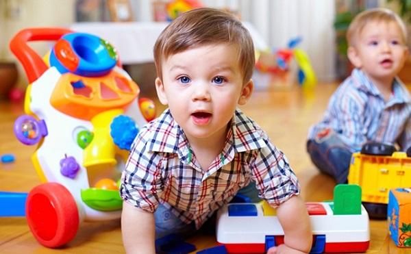 Rétvári: jelentősen nő a bölcsődékbe felvett gyermekek száma