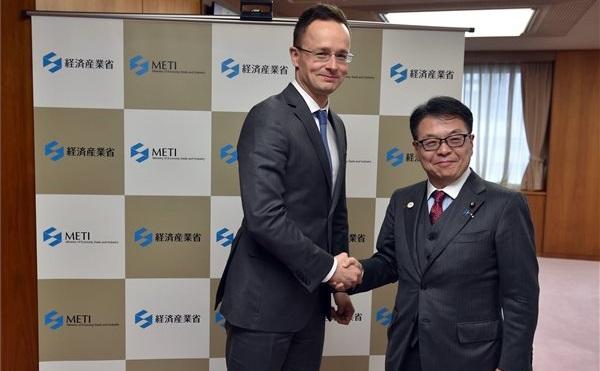 Szijjártó Japánban: négy új vállalat beruházásáról állapodott meg