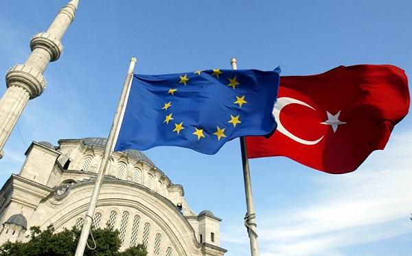 Törökország a népszavazás után dönt az EU-hoz fűződő kapcsolatáról