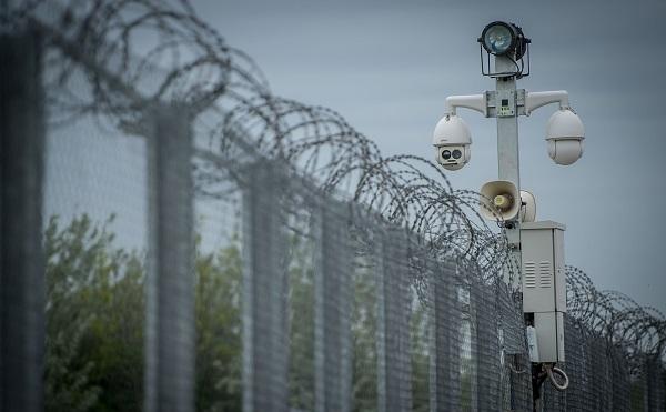 155 kilométeres szakaszon elkészült a második kerítés a magyar-szerb határon