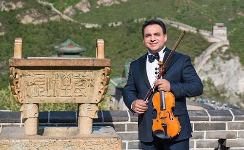 Mága Zoltán a Kínai Nagyfalnál