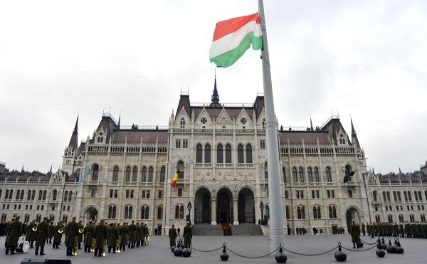 Orbán: a kormány minden nyitott jogi kérdésben készen áll együttműködni