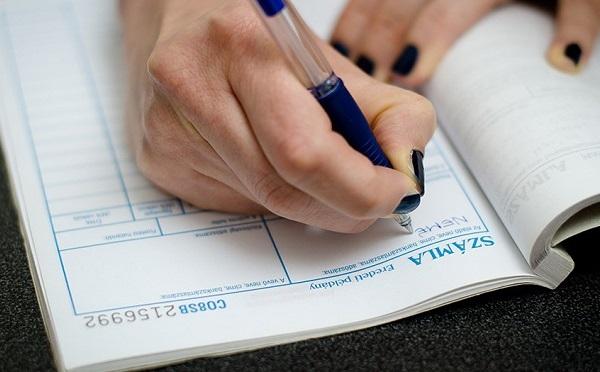 Gazdaságfehérítés: online számlázás lesz jövőre