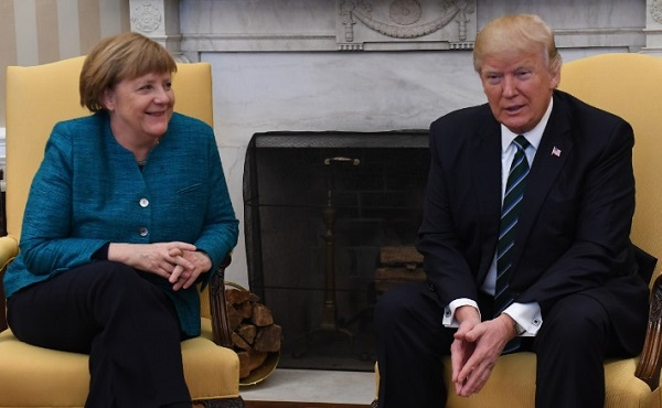 A szíriai helyzetről egyeztetett Trump és Merkel