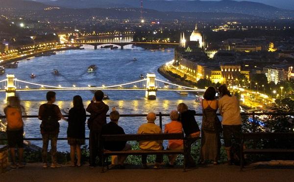 Turisztikai fejlesztések indulnak Budapesten és vidéken