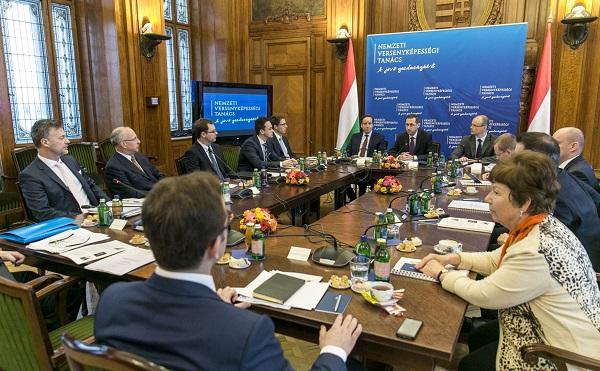 A versenyképességi tanács: szociális alapszámla bevezetését tárgyalták